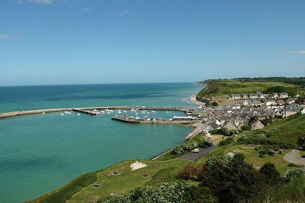 Dans le Calvados, Port-en-Bessin bénéficiera d'un bel ensoleillement face à un horizon dégagé.