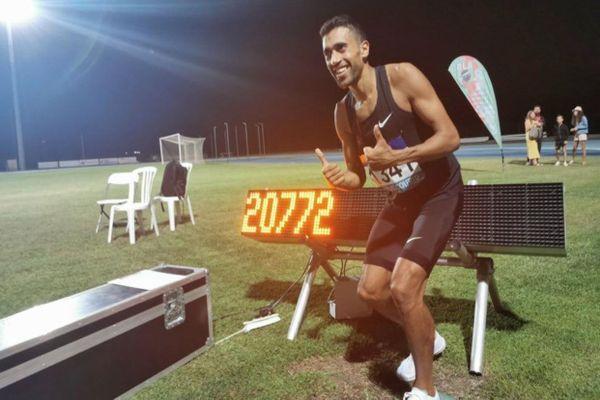 Le champion d'Europe du 10 000 mètres vient de décrocher le nouveau record de France de l'heure sur piste.
