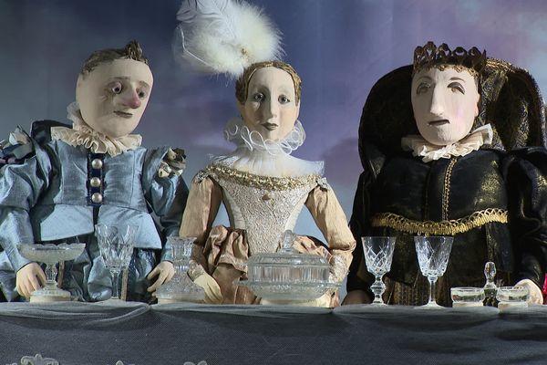 La Compagnie d'Emilie Valantin expose deux cents de ses marionnettes au musée de Montélimar dans la Drôme.