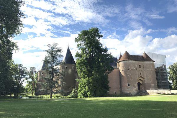 Le Château d'Ainay-le-Vieil