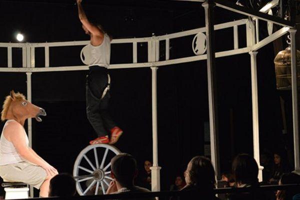 Le Cirque Poussière par la compagnie La faux populaire