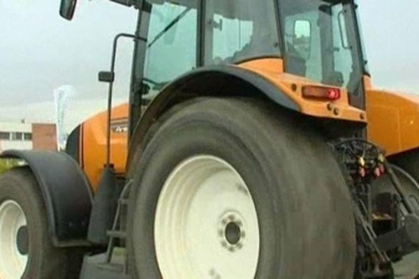 Les agriculteurs manifesteront avec leur outil de travail.