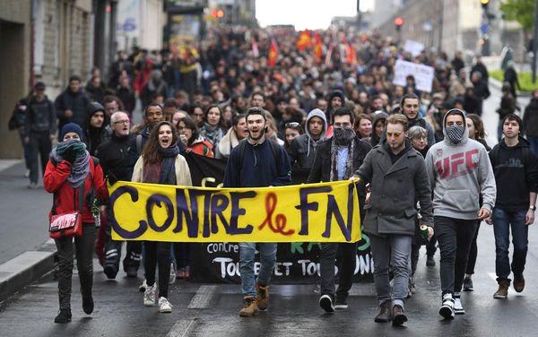 Les manifestants anti-FN ont défilé dans le calme à Rennes