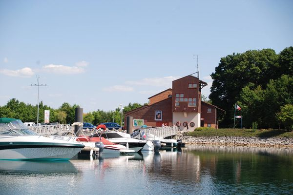 L'accueil de la gendarmerie du Lac du Der est ouvert tous les jours, de 9h à 12h puis de 14h à 19h.