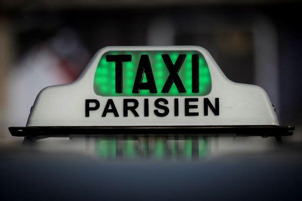 """Si les taxis devraient obtenir une dérogation afin de pouvoir continuer à circuler dans la """"zone à trafic limité"""", les VTC, de leur côté, ne font pas pour l'instant partie des exceptions (illustration)."""