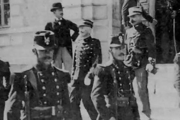 Le capitaine Dreyfus lors de son procès à Rennes.