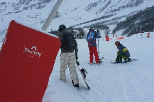 Les premiers skieurs sont à pied d'oeuvre
