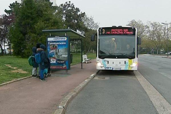Entre 21 heures et 5 heures du matin les usagers pourront descendre entre deux arrêts de bus.