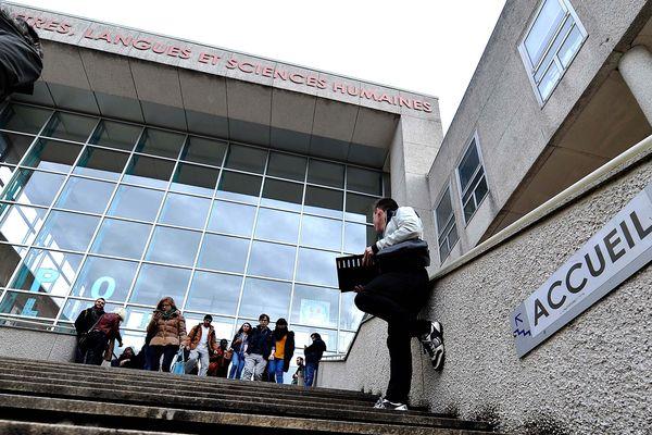 L'affaire des agressions sexuelles survenues sur le campus d'Orléans est classée sans suite.