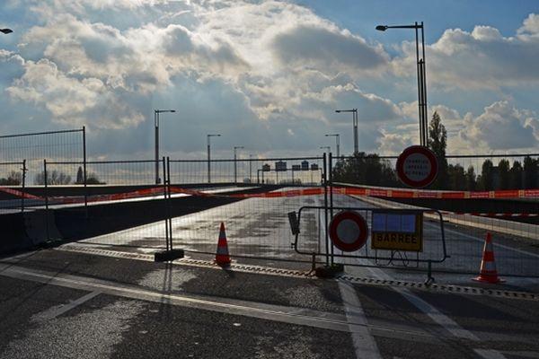 Le pont Mathilde est fermé depuis le 29 octobre dernier.