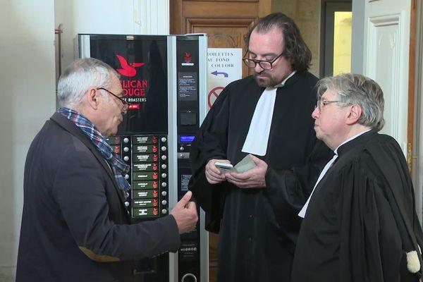 Christophe Doléac est venu exceptionnellement au tribunal. Lui, prône une grève dure.