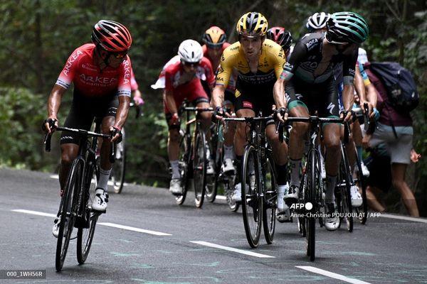 Nairo Quintana, Primoz Roglic durant la deuxième étape du Critérium de Dauphiné 2020, qui partait de Vienne, en Isère, le 13 août 2020.