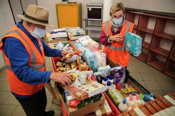 En cette fin 2020, en France, 8 millions de personnes ont dû recourir à des associations de distributions gratuites de repas