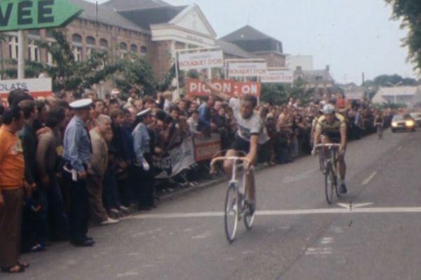 Le Belge, Jean-Luc Vandenbroucke, vainqueur pour la troisième fois du Grand Prix de Fourmies en 1979.