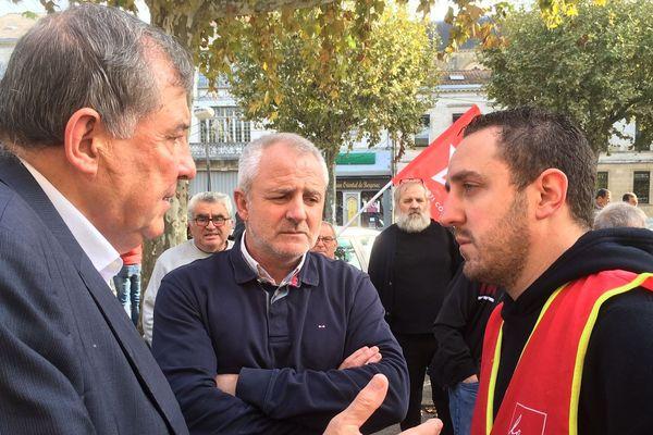 Le Maire de Bergerac, Daniel Garrigue, venu soutenir les salariés d'Eurenco inquiets pour leur avenir