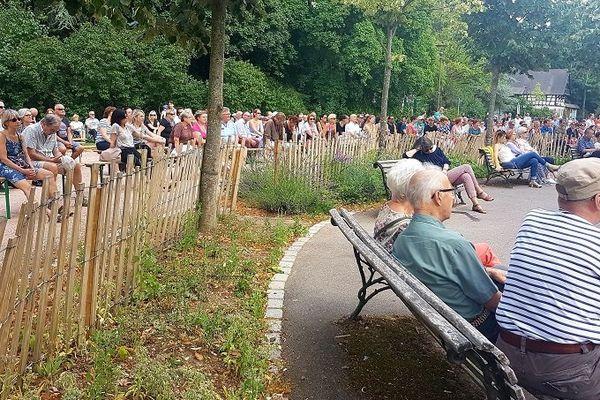 Un public nombreux et attentif.