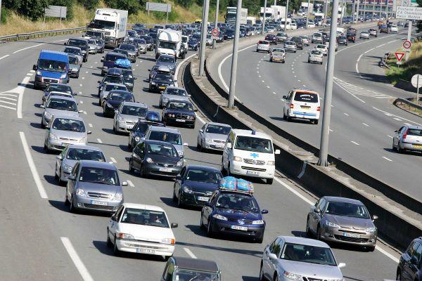 En ce samedi 1er aout, Bison Futé prévoit d'importants ralentissements et notamment sur les routes d'Auvergne. (Photo d'illustration)