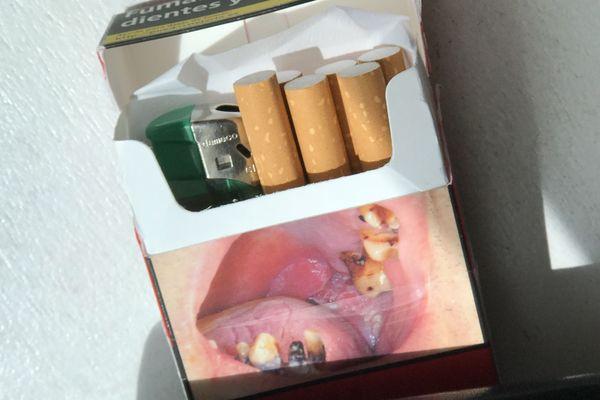 Les paquets montrent des photos de pathologies liées à la consommation excessive de tabac