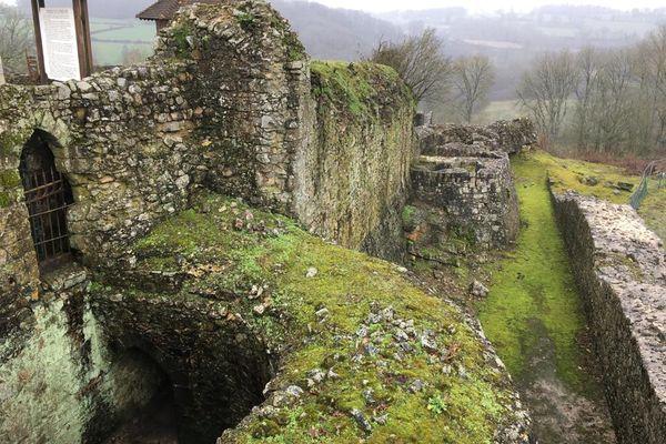 Domfront-en-Poiraie (Orne), cité médiévale de Normandie, sera le décor du prochain roman d'Arnaud Delalande.