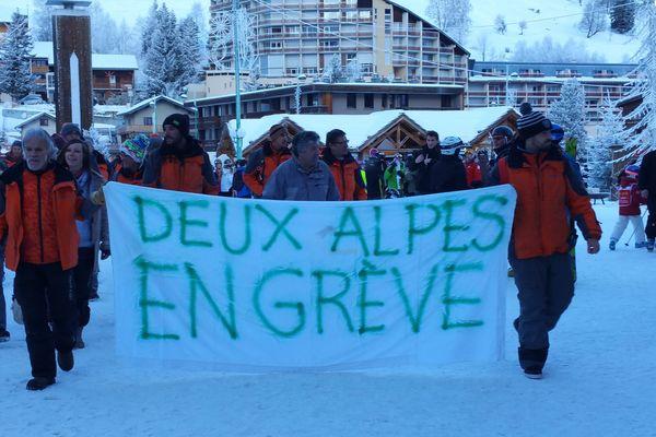 Les saisonniers des remontées mécaniques avaient fait grève pendant les vacances d'hiver, notamment aux Deux-Alpes.