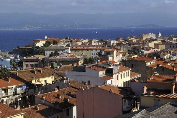 La vieille ville d'Ajaccio, où réside habituellement le disparu