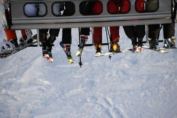 Des skieurs sur un télésiège de la station de Val Thorens en Savoie (Photo d'illustration).