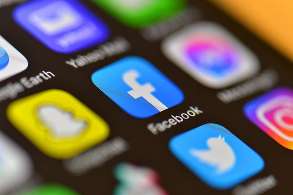 En période de crise sanitaire, les réseaux sociaux jouent un rôle crucial.