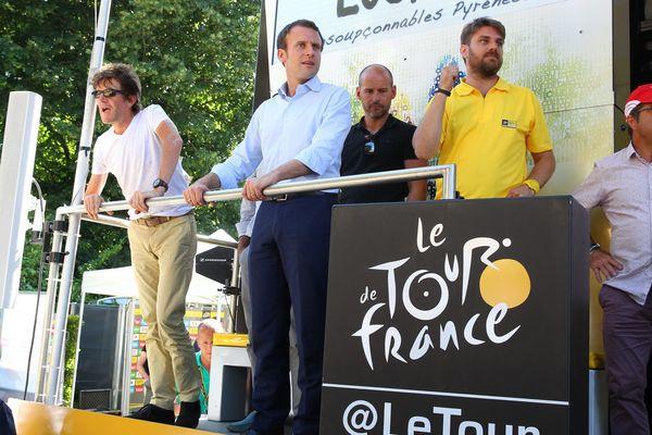 Emmanuel Macron lors du Tour de France 2016
