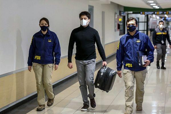 Nicolas Zepeda le 23 juillet 2020 lors de son extradition du Chili vers la France.