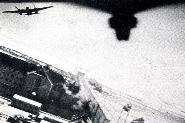 Le 18 février 1944, 24 avions de l'aviation britannique participent au bombardement de la prison d'Amiens. Officiellement, pour libérer des résistants et des agents secrets.