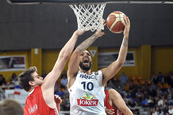L'équipe de France de basket est en entraînement à Toulouse jusqu'à dimanche. Elle prépare l'Euro.