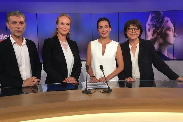 Les 3 candidats à la mairie de Lille autour de notre journaliste Virna Sacchi