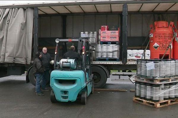 A Arnas (Rhône) les livraisons ont pris du retard dans cette entreprise de transport