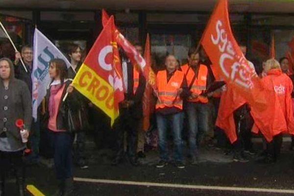 Les agents du Crous à Amiens ont manifesté leur colère ce mardi matin