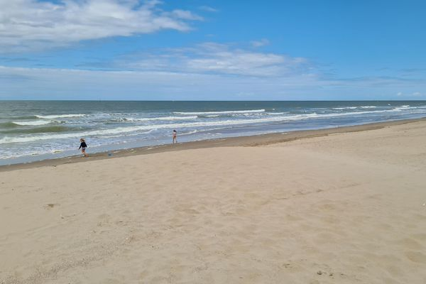 La baignade est interdite ce mardi sur la plage de Dunkerque - Malo-les-Bains.