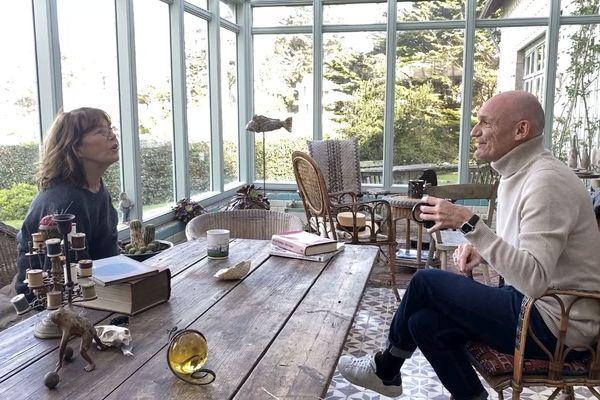 Jane Birkin livre ses souvenirs à Gaëtan Roussel pour Abers Road, l'émission musicale de France 3 Bretagne