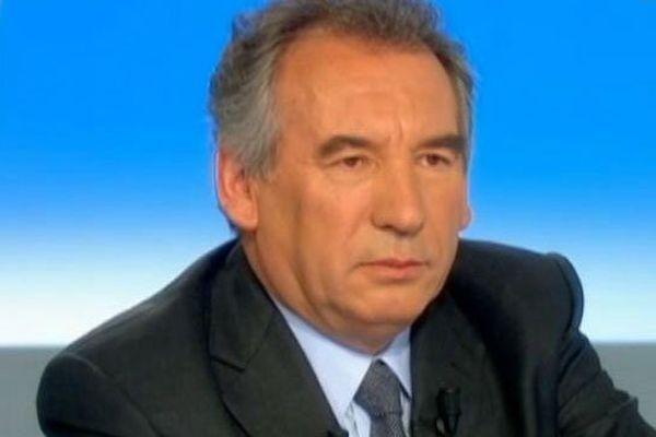 municipales à Pau : Bayrou en tête, mais faible écart avec Habib (sondage) #mun64000
