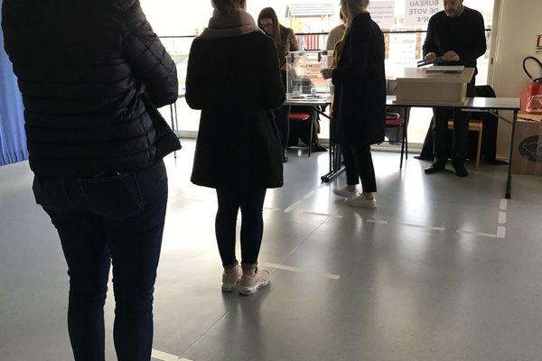 Un bureau de vote lors du premier tour, le 15 mars dernier.