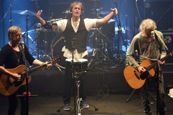 Jean-Louis Aubert, Louis Bertignac et Richard Kolinka réunis en concert à Lille en septembre 2015.