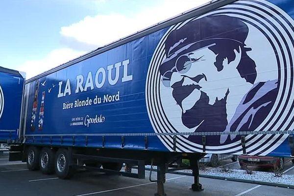 A Arques 5 camions sont désormais à l'effigie de Raoul de Godewaersvelde.