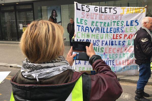 Les Gilets jaunes ont rejoint la manifestation intersyndicale du 1er mai à Caen.