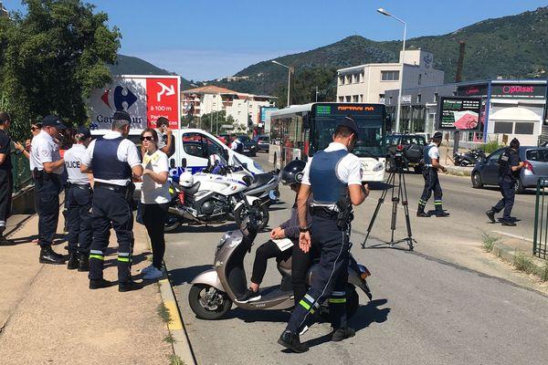 26/06/2018 - Contrôle routier sur la rocade Ajaccio (Corse du Sud) pour le respect du port des gants à deux roues.