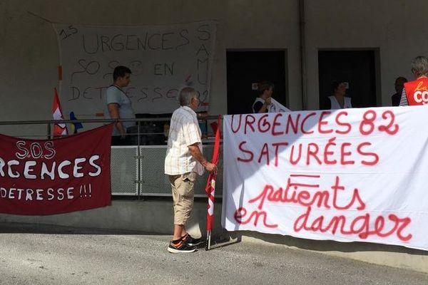 Les personnels grévistes aux urgences de Montauban.