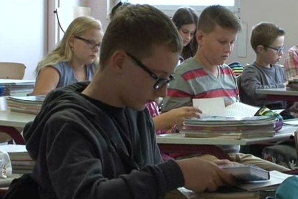 La classe de sixième C découvre qu'elle ne recevra pas de notes cette année.