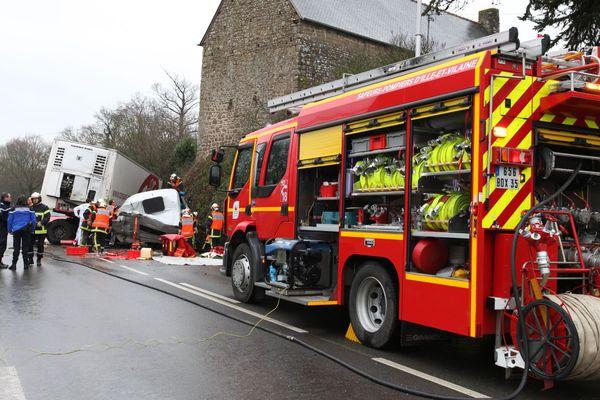 Accident de poids lourd à Vieux-Vy-sur-Couesnon (35)