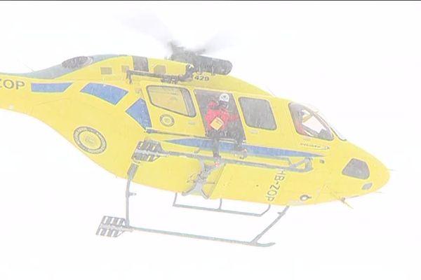Après une avalanche, chaque minute compte pour les opérations de secours. A Soldeu en Andorre, un hélicoptère est équipé d'un radar, pour pouvoir repérer les victimes ensevelies depuis le ciel.