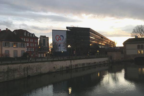 L'hôtel du département, au coeur de la Petite France à Strasbourg : siège du département du Bas-Rhin puis (provisoirement) de la CEA.
