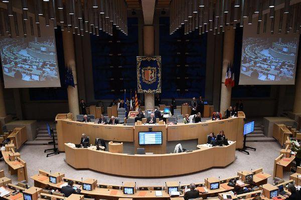 Le conseil régional de Paca en séance plénière.