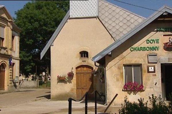 Doye : la fromagerie, juste au pied de la chapelle
