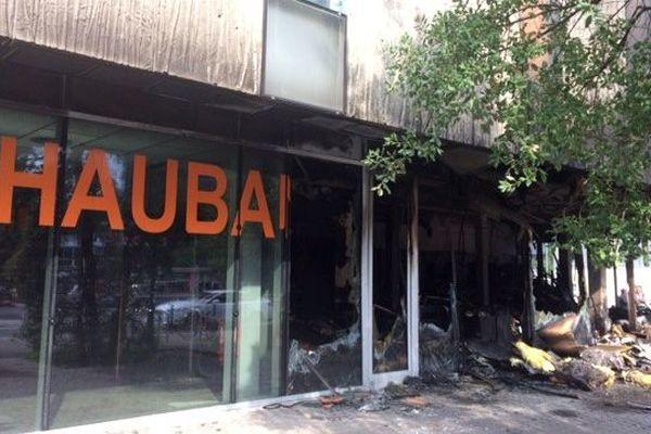 La maison des Haubans incendiée à Malakoff, le 5 juillet 2018